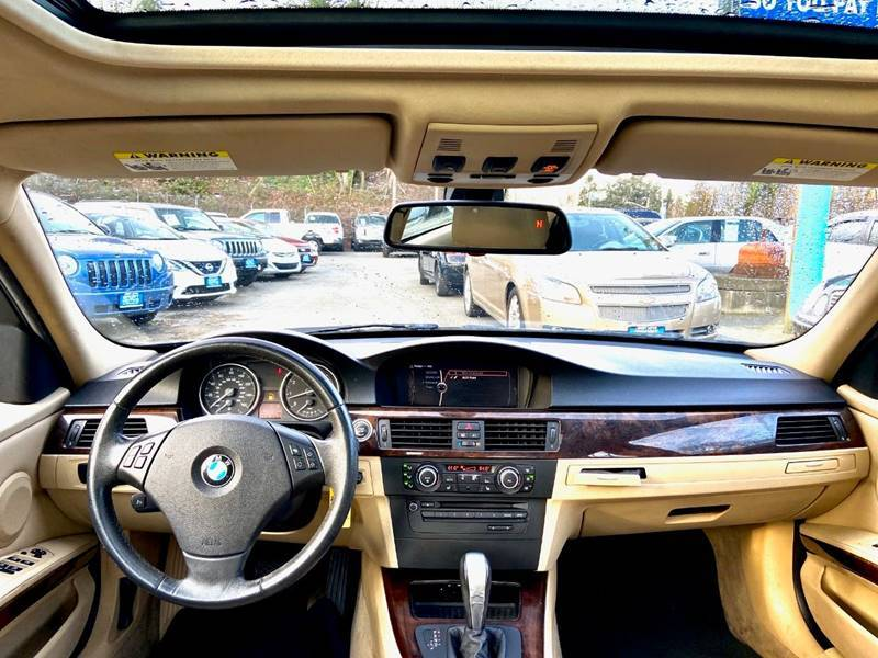 2011 BMW 3 Series 328i (image 13)