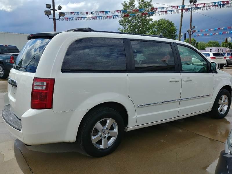 2008 Dodge Grand Caravan for sale at Johnson's Auto Sales Inc. in Decatur IN