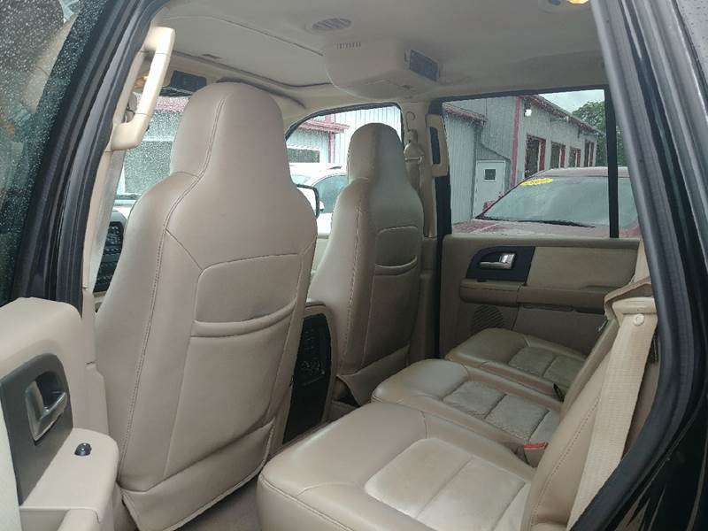 2004 Ford Expedition for sale at Johnson's Auto Sales Inc. in Decatur IN