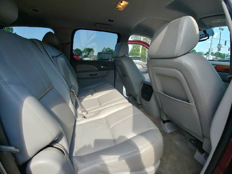 2008 Chevrolet Suburban for sale at Johnson's Auto Sales Inc. in Decatur IN