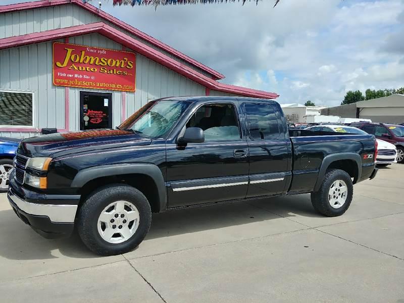 2006 Chevrolet Silverado 1500 for sale at Johnson's Auto Sales Inc. in Decatur IN