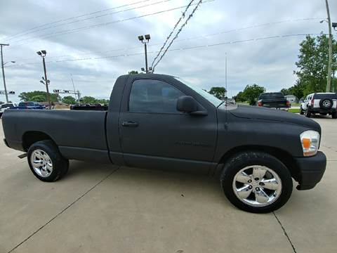 2006 Dodge Ram Pickup 1500 for sale at Johnson's Auto Sales Inc. in Decatur IN