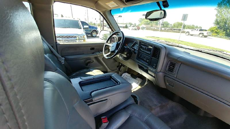 2002 GMC Sierra 1500 for sale at Johnson's Auto Sales Inc. in Decatur IN