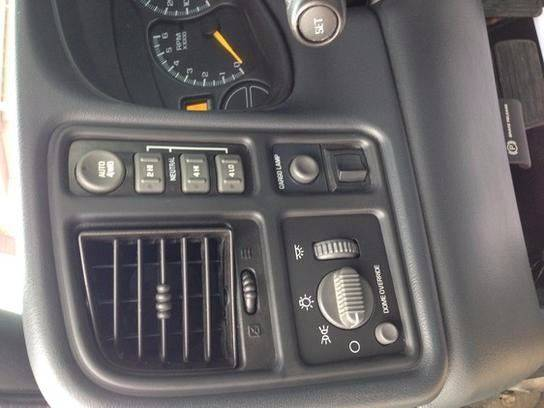 2000 Chevrolet Silverado 1500 for sale at Johnson's Auto Sales Inc. in Decatur IN