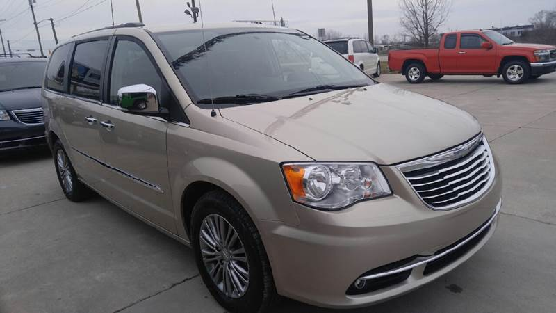 2014 Chrysler Town and Country for sale at Johnson's Auto Sales Inc. in Decatur IN