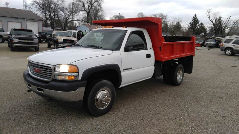 2001 GMC Sierra 3500 for sale at Johnson's Auto Sales Inc. in Decatur IN