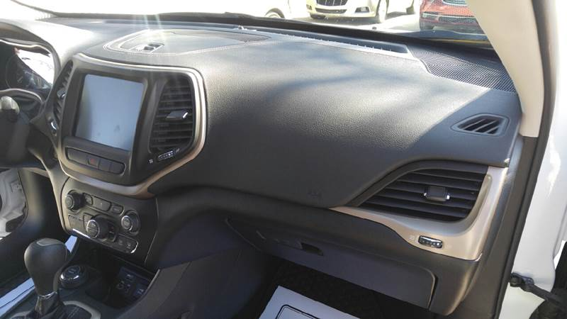 2014 Jeep Cherokee for sale at Johnson's Auto Sales Inc. in Decatur IN
