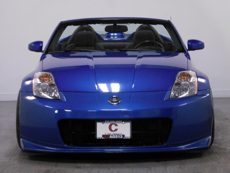 2005 Nissan 350Z for sale at Cincinnati Automotive Group in Middletown OH