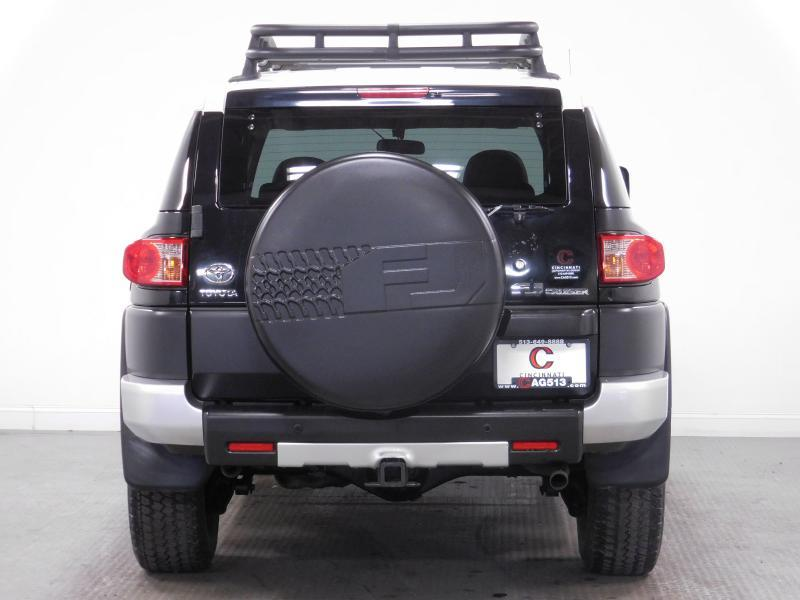 2007 Toyota FJ Cruiser for sale at Cincinnati Automotive Group in Middletown OH