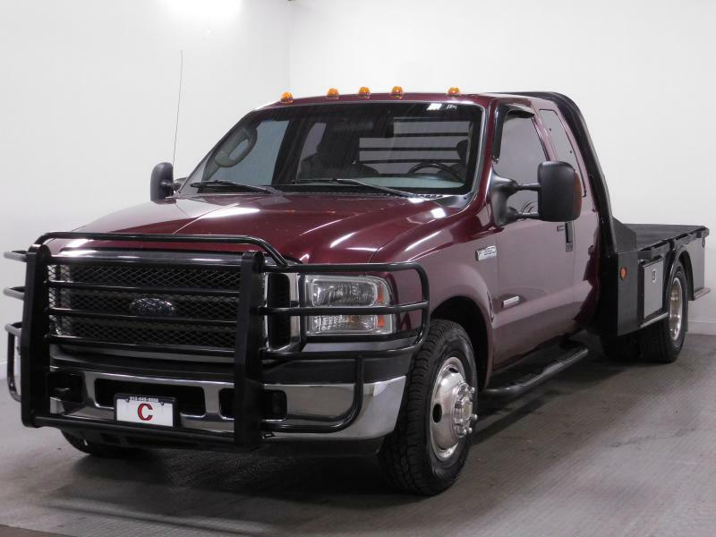 2006 Ford F-350 Super Duty for sale at Cincinnati Automotive Group in Middletown OH