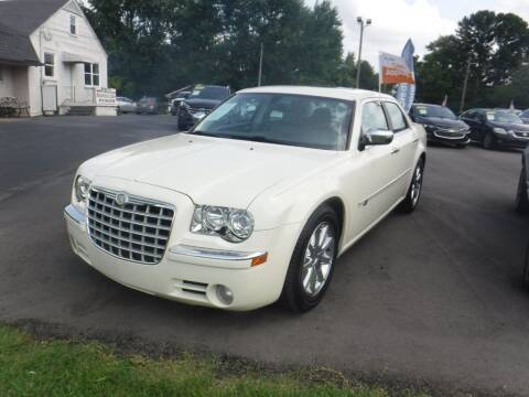 2010 Chrysler 300 for sale at Rob Co Automotive LLC in Springfield TN