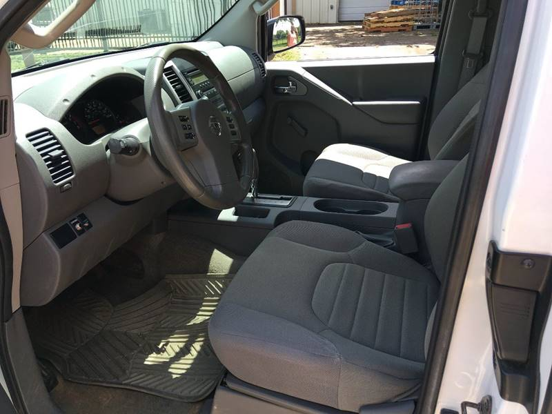 2015 Nissan Frontier 4x2 SV 4dr King Cab 6.1 ft. SB Pickup 5A - Houston TX