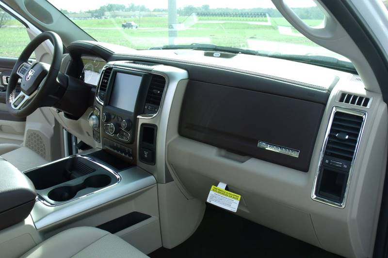 2017 RAM Ram Pickup 1500 4x4 Laramie 4dr Crew Cab 5.5 ft. SB Pickup - Carmi IL