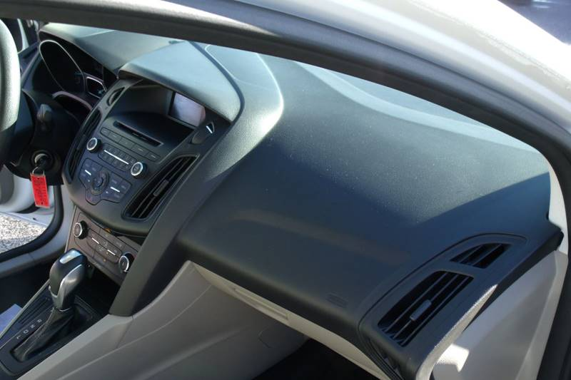 2015 Ford Focus SE 4dr Sedan - Carmi IL