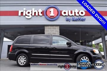 2016 Chrysler Town and Country for sale in Huntersville, NC