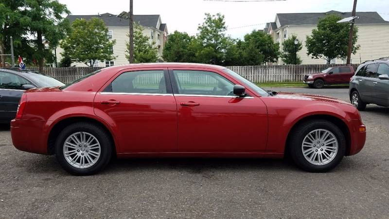 2009 Chrysler 300 LX 4dr Sedan - New Brunswick NJ