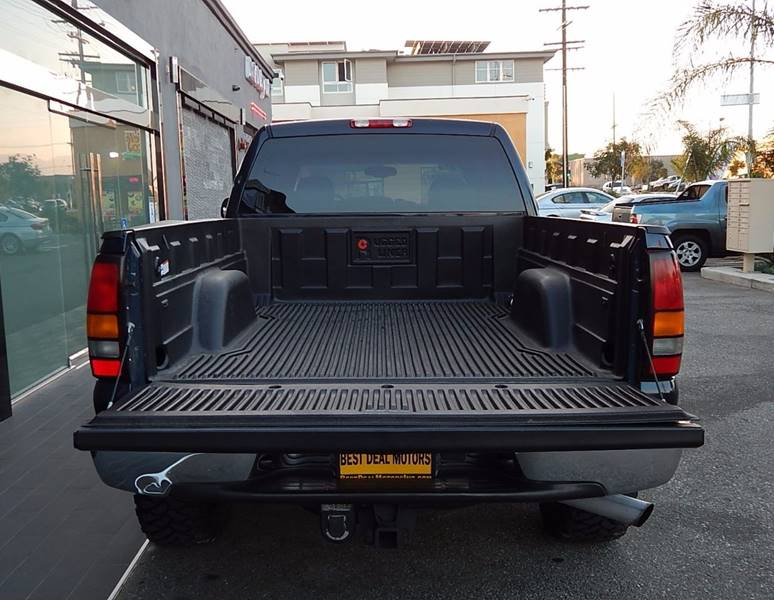 2005 GMC Sierra 2500HD for sale at BEST DEAL MOTORS INC. CARS AND TRUCKS FOR SALE in Sun Valley, CA