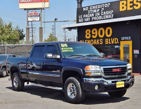 2005 GMC Sierra 2500HD for sale at BEST DEAL MOTORS INC. CARS AND TRUCKS FOR SALE in North Hollywood , Los Angeles CA