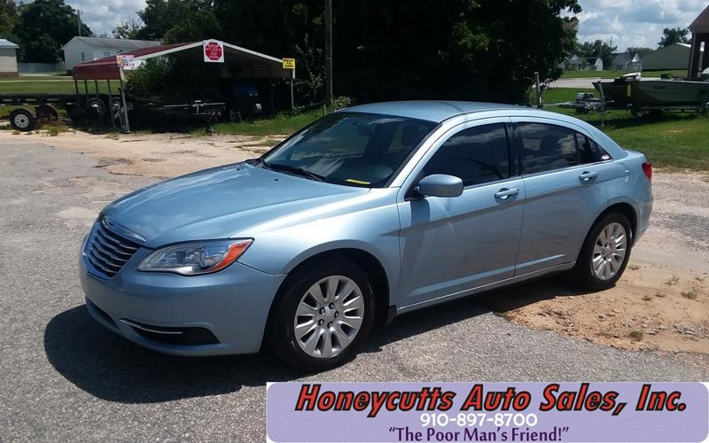 2013 Chrysler 200 for sale at Honeycutt's Auto Sales, Inc. in Coats NC