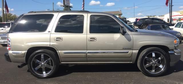 2000 GMC Yukon SLE 4dr SUV - Arlington TX