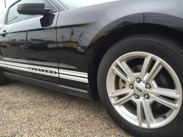 2010 Ford Mustang V6 2dr Coupe - Arlington TX