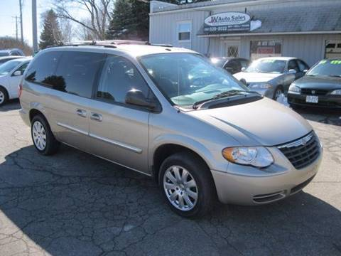 2006 Chrysler Town and Country for sale in Burlington, WI