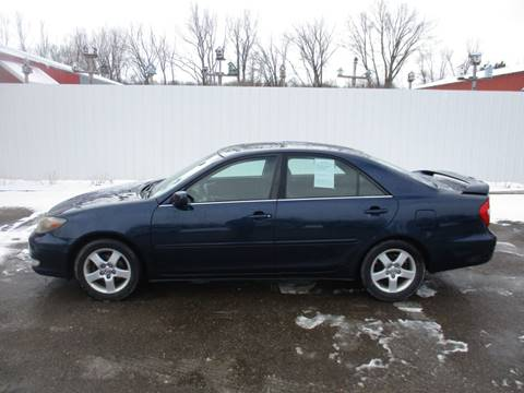 2003 Toyota Camry SE for sale at Chaddock Auto Sales in Rochester MN