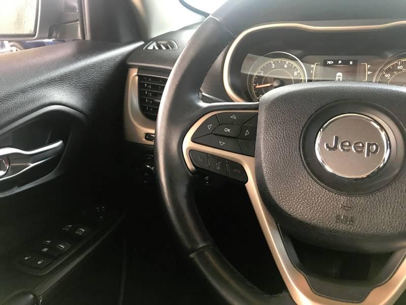 2014 Jeep Cherokee for sale at Lavista Auto Plex in La Vista NE