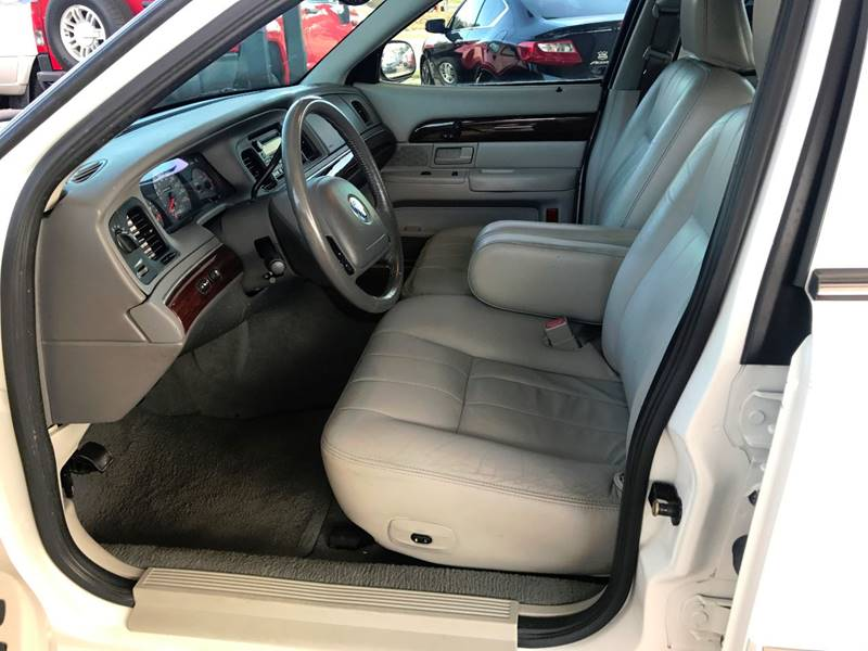 2004 Mercury Grand Marquis for sale at Lavista Auto Plex in La Vista NE