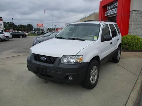 2005 Ford Escape for sale at Premium Auto Collection in Chesapeake VA