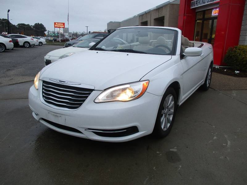 2012 Chrysler 200 Convertible for sale at Premium Auto Collection in Chesapeake VA