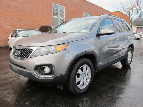 2013 Kia Sorento for sale at DRIVE TREND in Cleveland OH