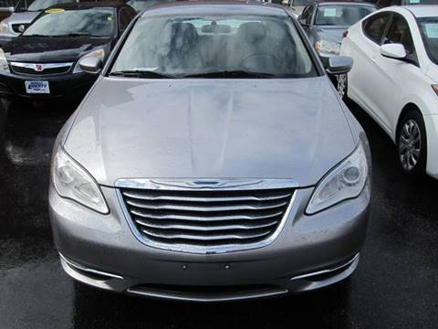 2013 Chrysler 200 for sale at DRIVE TREND in Cleveland OH