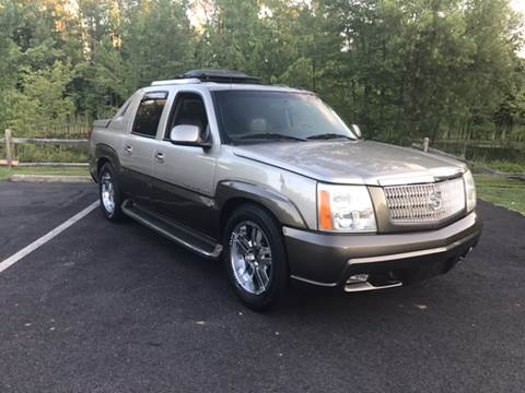 2002 Cadillac Escalade EXT for sale in Woodford, VA
