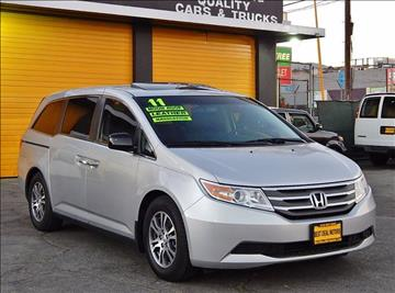 2011 Honda Odyssey for sale at Best Deal Motors - Used Cars ,and Trucks for sale in Sun Valley,  Los Angeles CA