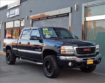 2005 GMC Sierra 2500HD for sale at Best Deal Motors - Used Cars and Trucks for sale in Sun Valley,  Los Angeles CA