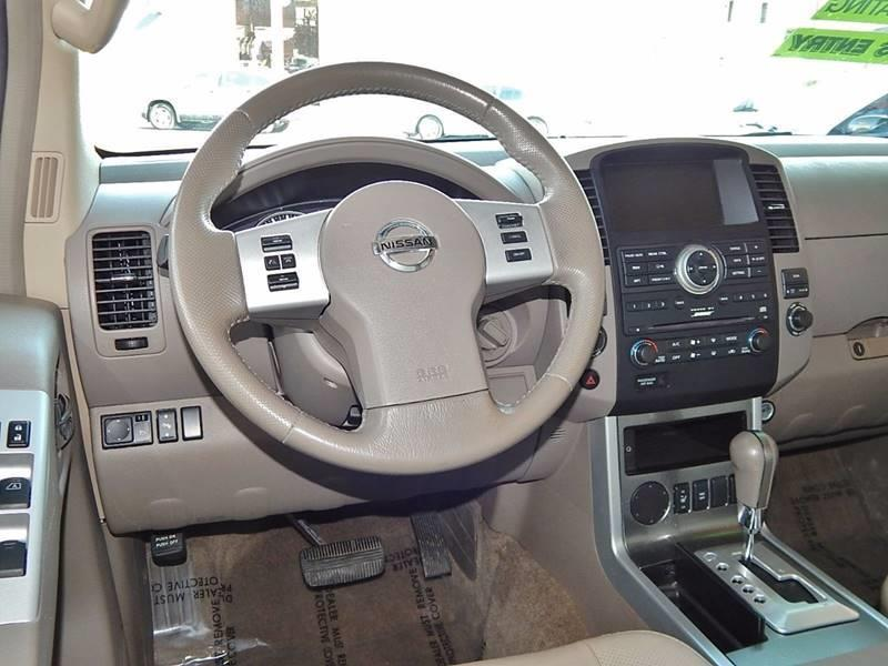2011 Nissan Pathfinder for sale at Best Deal Motors - Used Cars ,and Trucks for sale in Sun Valley,  Los Angeles CA