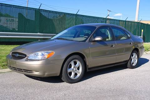 2003 Ford Taurus for sale at Car Connection in Willoughby OH