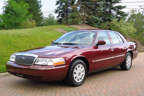 2005 Mercury Grand Marquis for sale at Car Connection in Willoughby OH