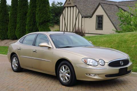 2005 Buick LaCrosse for sale at Car Connection in Willoughby OH