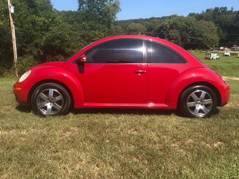 2006 Volkswagen New Beetle for sale at Monroe Auto's, LLC in Parsons TN