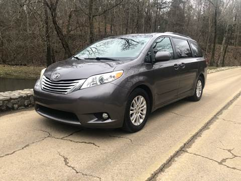2011 Toyota Sienna for sale at Monroe Auto's, LLC in Parsons TN