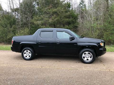 2008 Honda Ridgeline for sale at Monroe Auto's, LLC in Parsons TN
