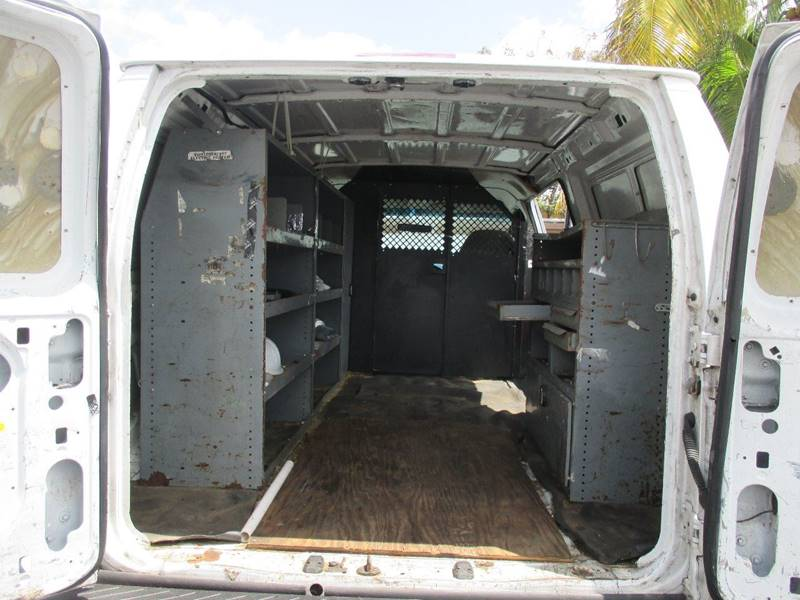 2004 Ford E-Series Cargo E-250 3dr Cargo Van - Miami FL
