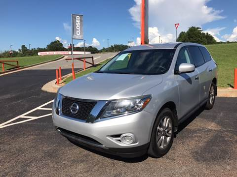 2013 Nissan Pathfinder for sale at Georgia Truck World in Griffin GA