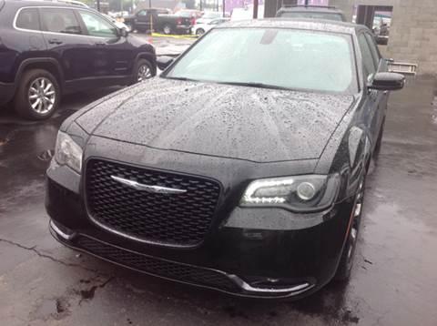 2015 Chrysler 300 for sale in Wyandotte, MI