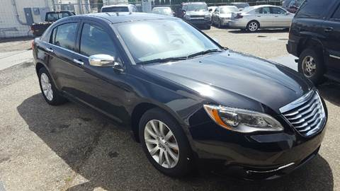 2014 Chrysler 200 for sale at Drivegiant.com in Metro Detroit MI