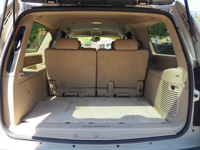 2007 GMC Yukon XL for sale at Cincinnati Auto Wholesale in Loveland OH