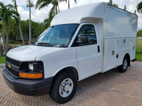 2017 Chevrolet Express Cutaway for sale in Miami, FL