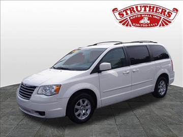 2008 Chrysler Town and Country for sale in Austintown, OH
